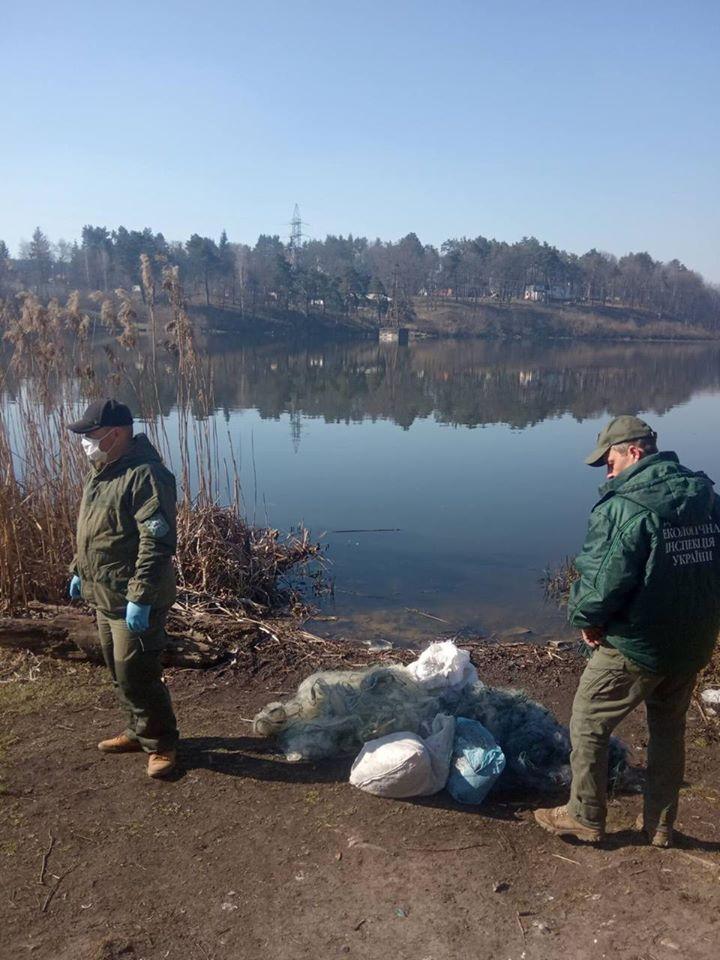 За 3 дні заборонено рібаліті екологи вилуч у порушників 1300 метрів риболовного сіток